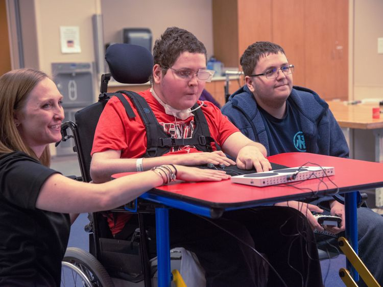 Xbox develops controller for disabled gamers