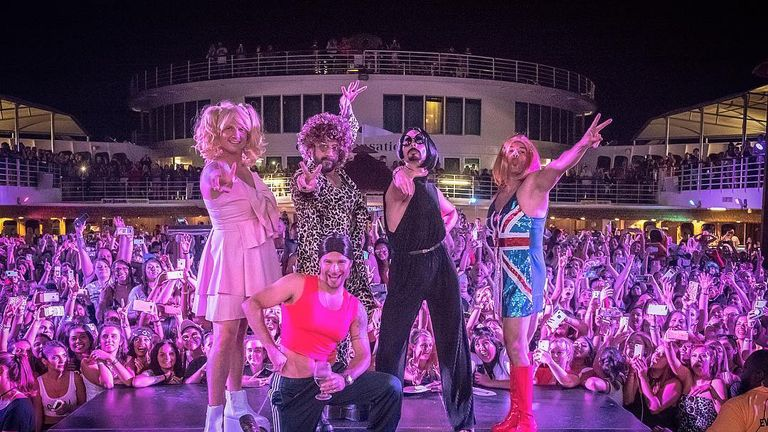 The Backstreet Boys became the Spice Boys for one night only