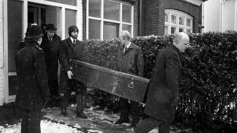 A coffin being taken from Dennis Nilsen's house