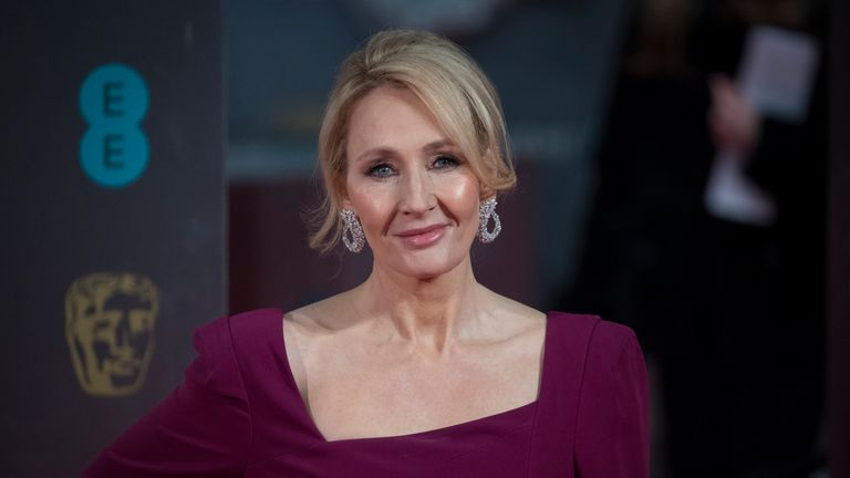 JK Rowling apologises for Dobby's death in Harry Potter And The