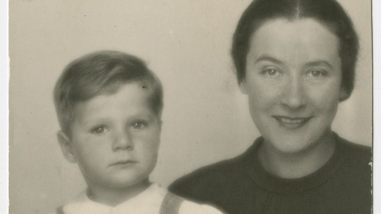 A portrait of a young Frank - then Misa - Grunwald and his mother, Vilma. Pic: United States Holocaust Memorial Museum