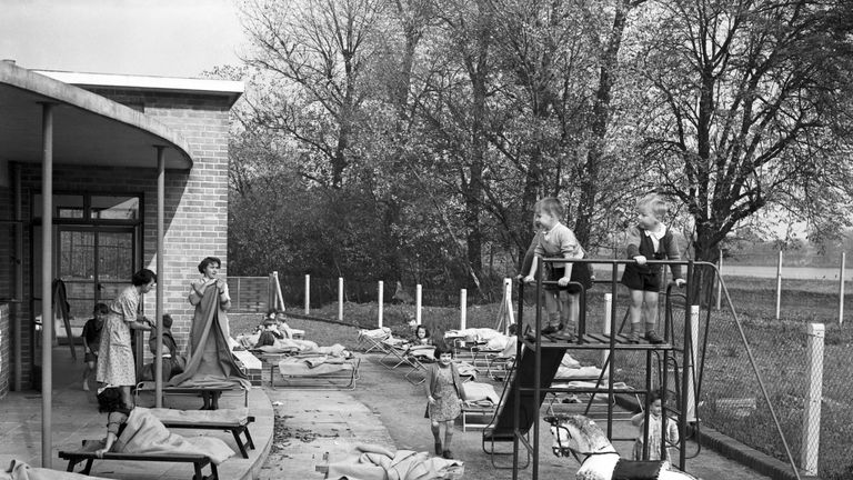 LCC Woodberry Down Health Centre in London in 1952, the first health centre to be built under the National Health Service Act