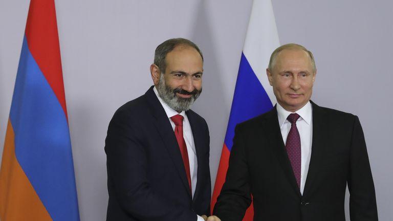 Armenian Prime Minister Nikol Pashinyan and Russian President Vladimir Putin