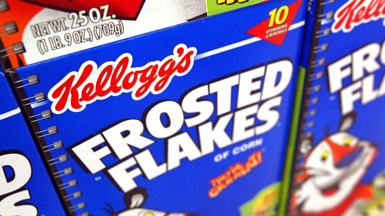 MPs have called on cartoon characters to be banned from advertising unhealthy snacks.