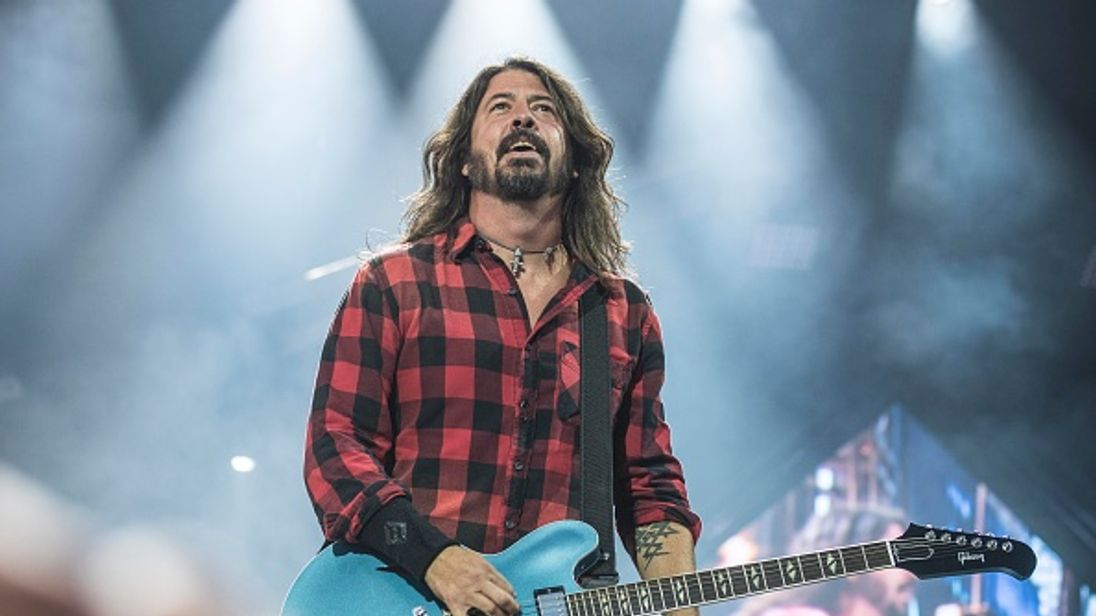 Dave Grohl takes food to California firefighters