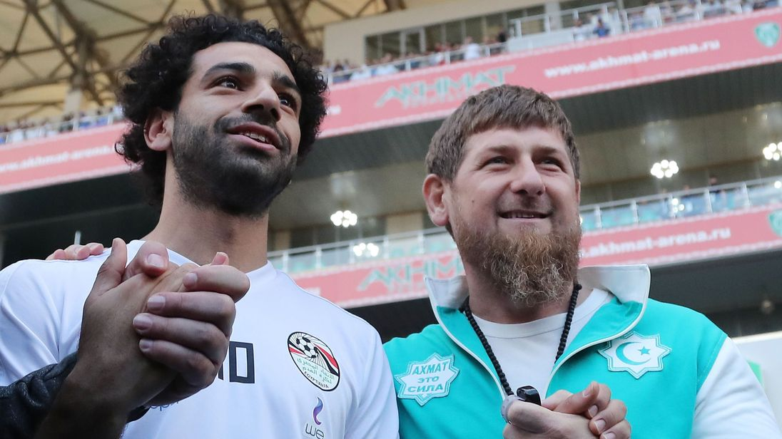 Mohamed Salah poses with Ramzan Kadyrov