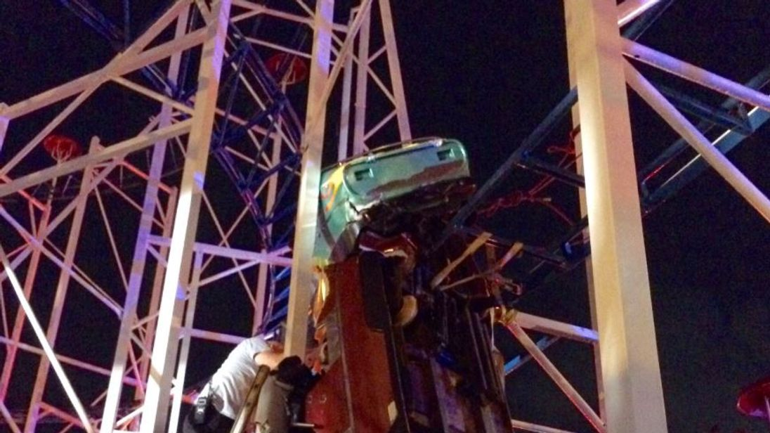 2 people fall to ground after Daytona Beach roller coaster derails