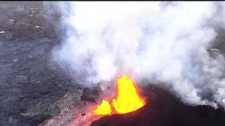 Kilauea Volcano erupts huge fountains of lava in Hawaii