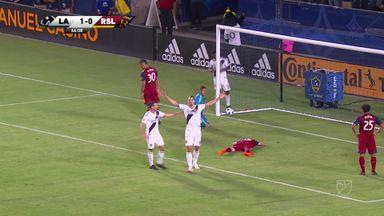 Zlatan scores two in Galaxy win
