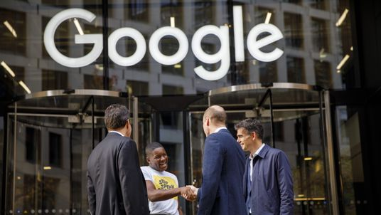 Britain's Prince William, Duke of Cambridge (2R) chats with British entrepeneur Brent Hoberman (L), anti-cyber bullying campaigner James Okulaja (2L) and President of EMEA Business and Operations for Google, Matt Brittin during his visit to launch the national action plan to tackle cyberbullying at the London headquarters of Google and YouTube in King's Cross, London on November 16, 2017. / AFP PHOTO / POOL / Tolga AKMEN (Photo credit should read TOLGA AKMEN/AFP/Getty Images)