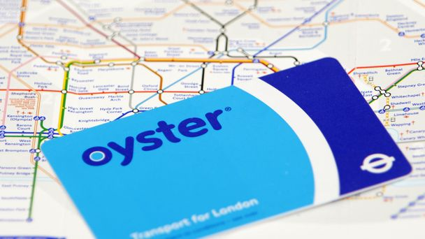 Commuters warned of 321m dormant oyster card cash mountain colourmoves