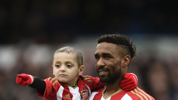 Jermain Defoe with Bradley Lowery