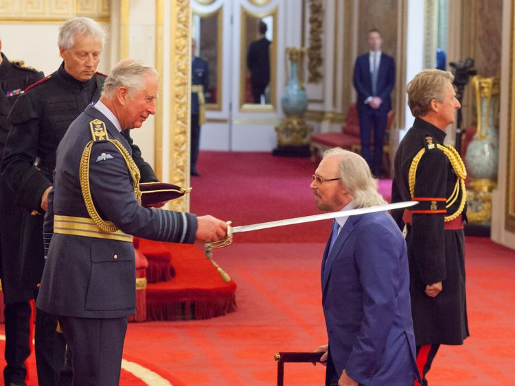 Sir Barry Gibb from Beaconsfield is made a Knight Bachelor of the British Empire by the Prince of Wales at Buckingham Palace. PRESS ASSOCIATION Photo. Picture date: Tuesday June 26, 2018. Photo credit should read: Dominic Lipinski/PA Wire