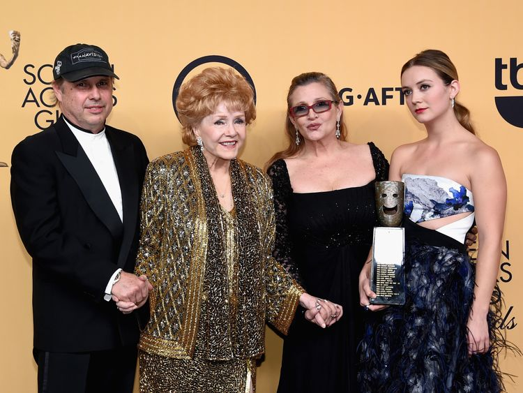 Todd Fisher with mother Debbie Reynolds, sister Carrie Fisher and niece Billie Lourd in 2015