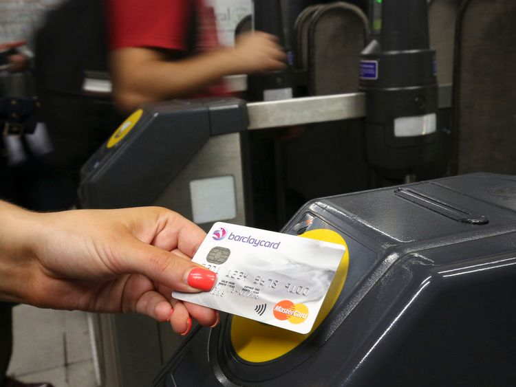 Contactless payment introduced on Oyster services