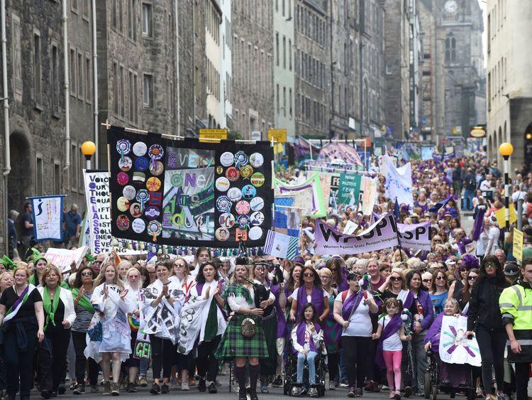 The march through Edinburgh