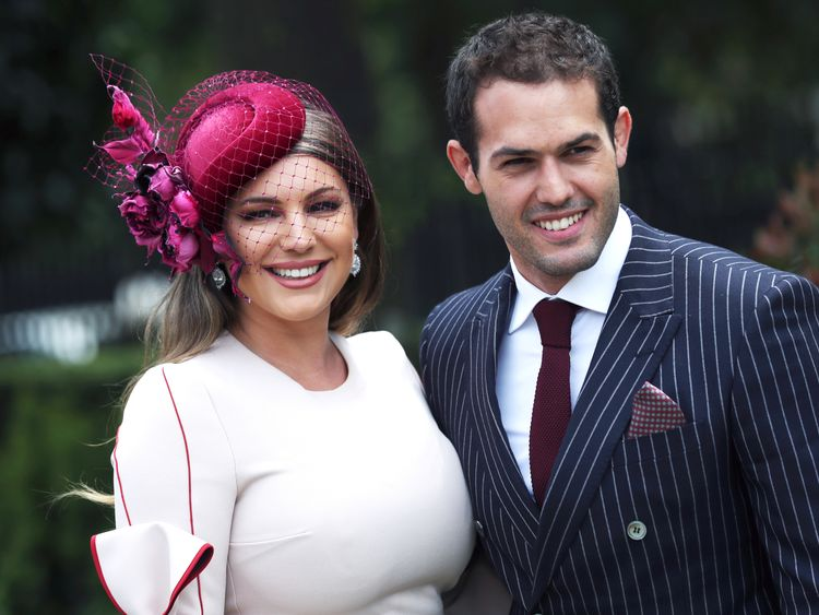 Kelly Brook admits taking her 'tummy in a bit' on Instagram