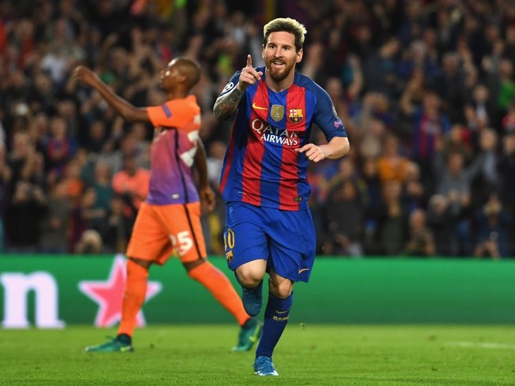 Lionel Messi plats for Barcelona in 2016