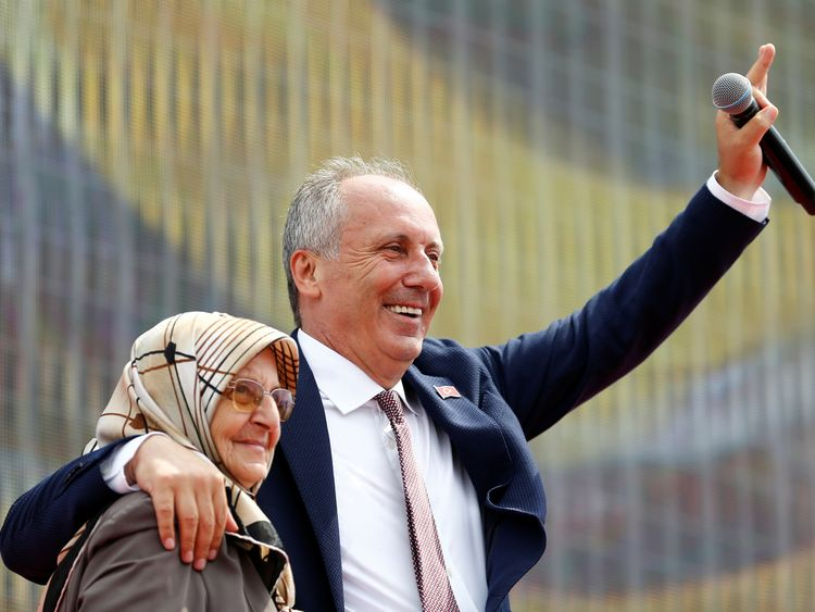 Turkey's Erdogan fetes poll triumph, opposition concedes defeat