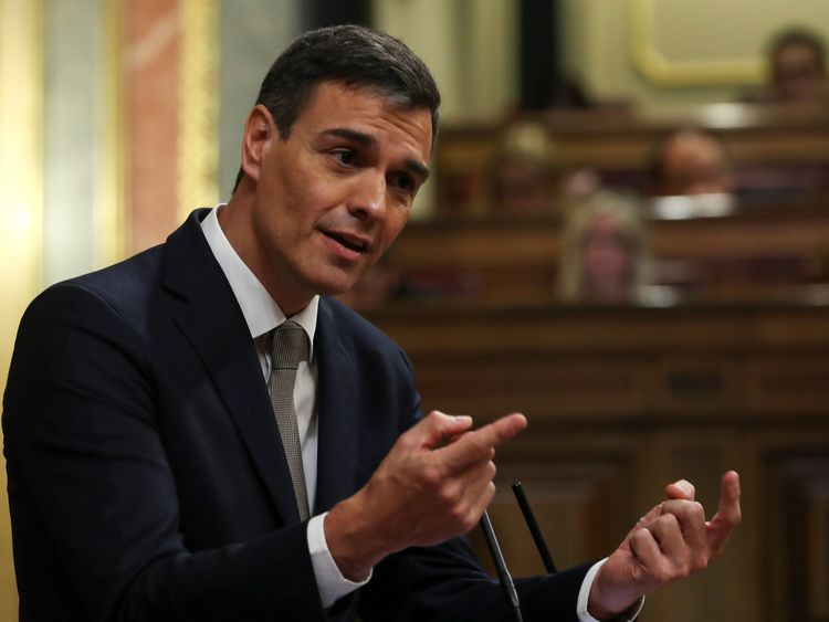 Spanish PM faces defeat in no-confidence motion