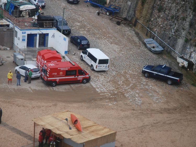 Emergency services at the scene. Pic: Jornal O Ericeira
