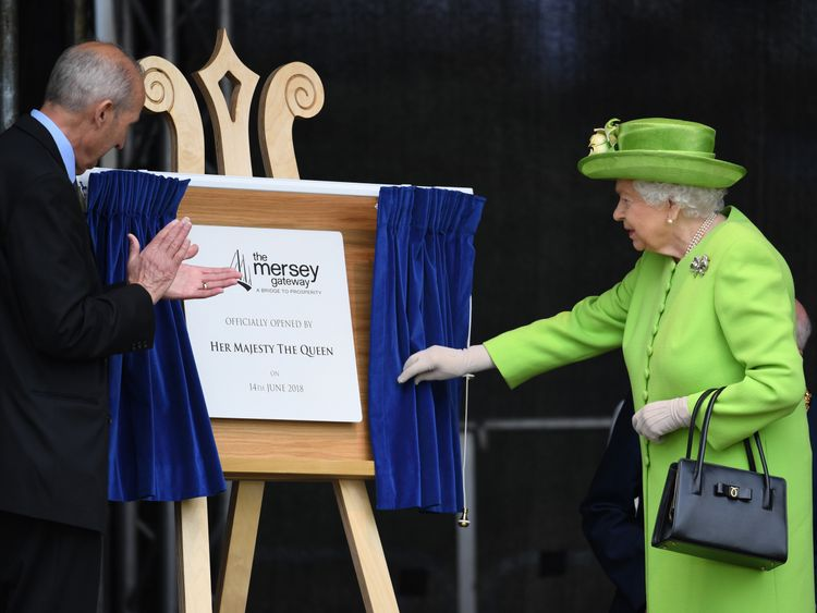 The Queen unveils the plaque