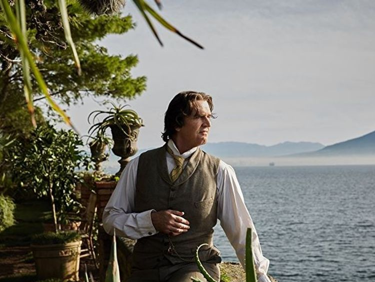 Rupert Everett: Oscar Wilde film like giving birth