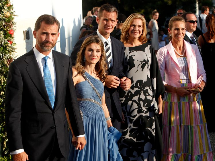 2010: Prince Felipe, his wife Princess Letizia, Inaki Urdangarin, his Princess Cristina and Princess Elena on the Greek island of Spetses