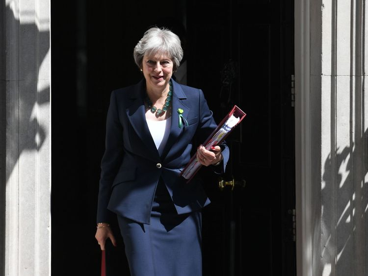 PM risks new fight with Tory Brexit rebels