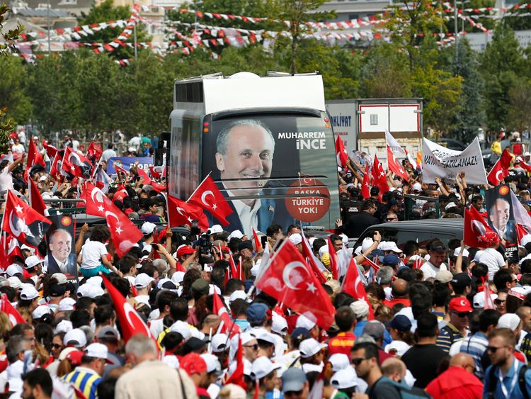 A million people attend an election rally of Muharrem Ince