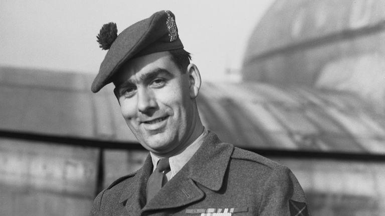 Private William Speakman-Pitt, known as Bill Speakman, wearing the Victoria Cross which he won for his bravery in the Korean War, 29th January 1952