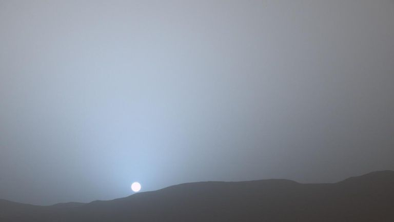 NASA's Curiosity Mars rover recorded the sun setting at the close of the mission's 956th Martian day, or sol April 15, 2015