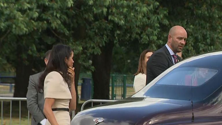 Meghan changes mind about car door on royal visit with the Queen