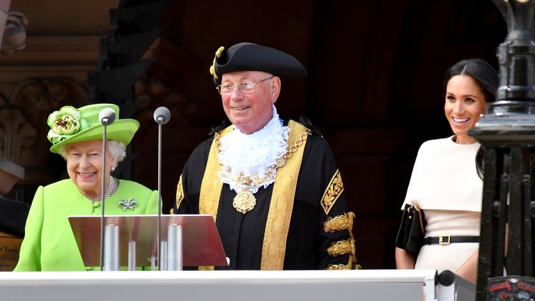 Meghan appeared on the Chester Town Hall terrace, alongsideLord Mayor of Chester, Councillor Alex Black