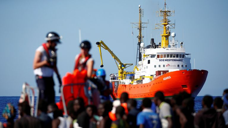 The Aquarius, which has 629 migrants on board, has hit waves off the east coast of Sardinia