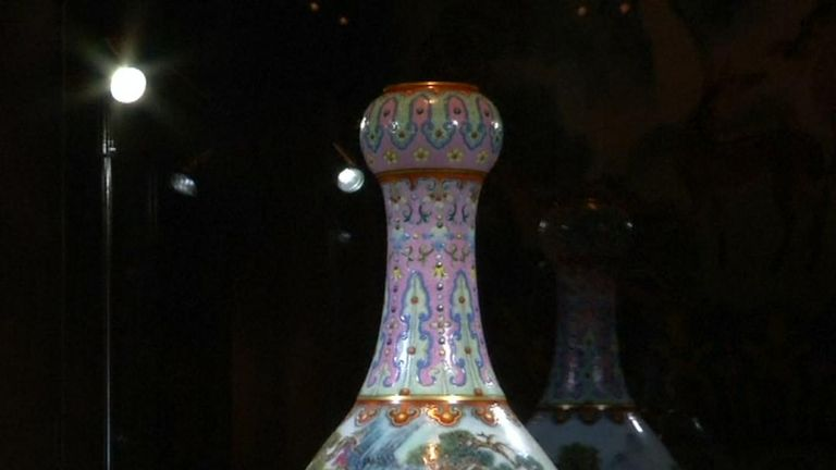 Qing dynasty vase breaks record at Sotheby's in France