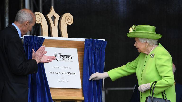 The Queen unveils the plaque