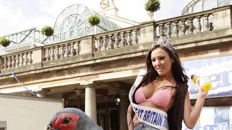 Newly crowned Miss Great Britain, Sophie Gradon in 2009