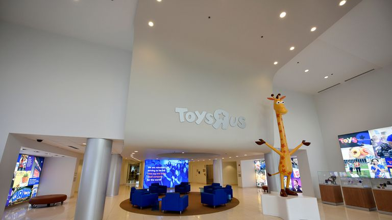 The sale of the Geoffrey the Giraffe statue upset many people online. Pic: Toys R Us