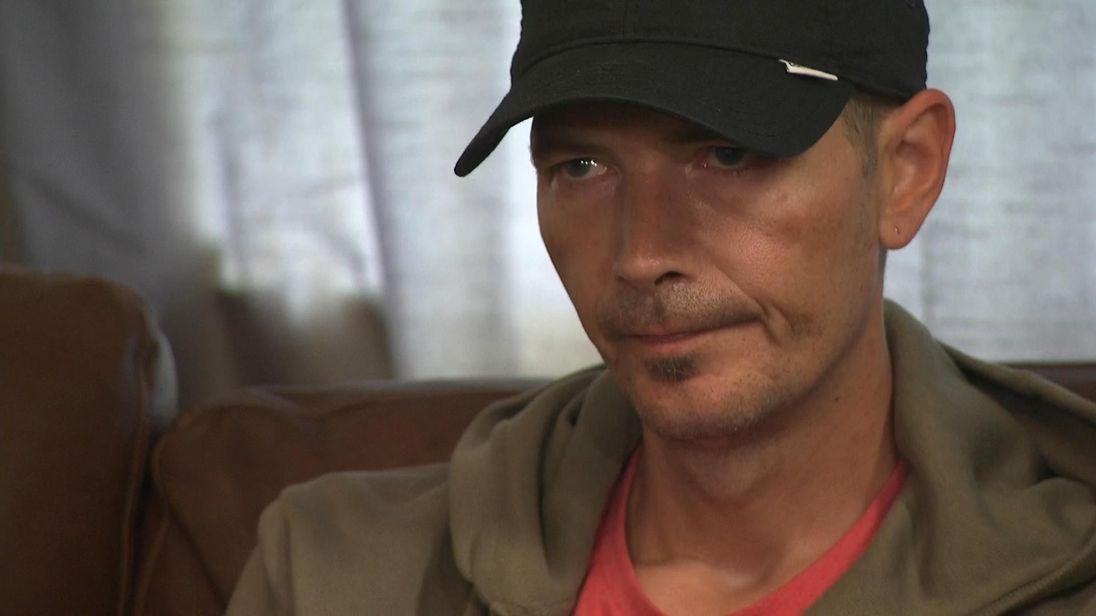 Rowley Fondos Agent Pantalla Charlie Dawn Sturgess De – Poisoning Home Nerve