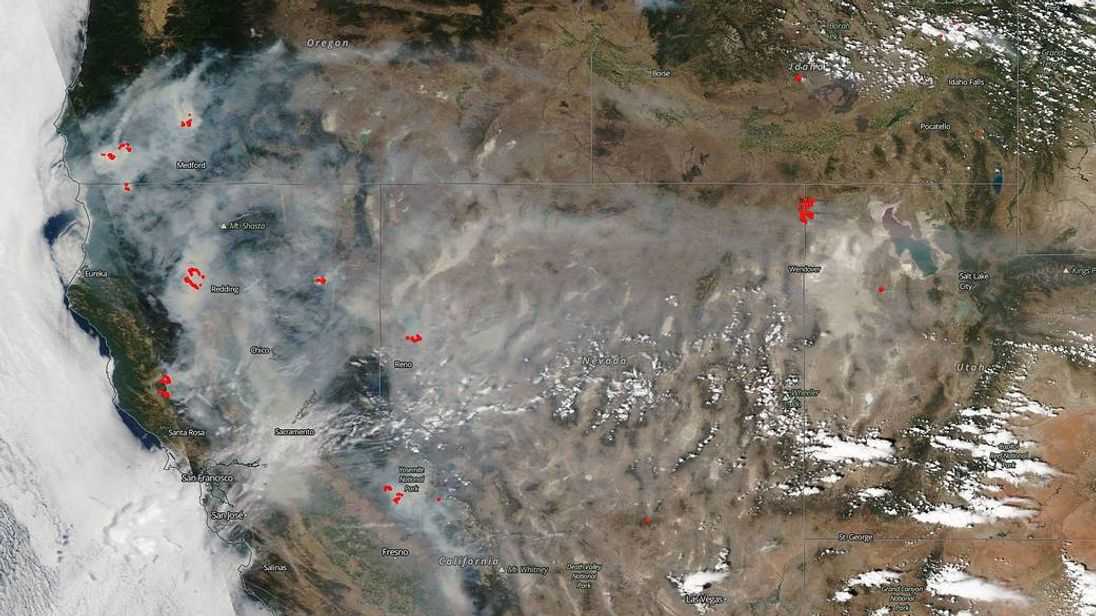 Nasa Image Shows California Wildfire Smoke As Far As Utah