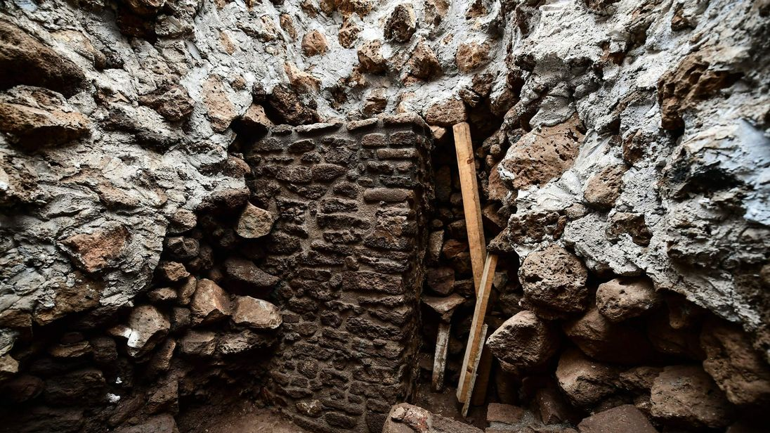 Earthquake uncovers hidden temple at Mexico's historic Teopanzolco pyramid