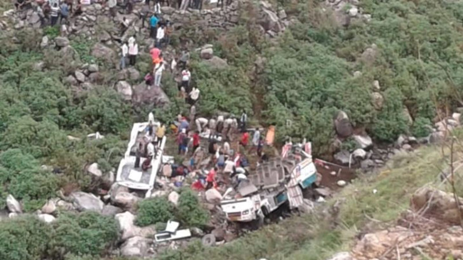 At least 48 dead as bus crashes into 700ft ravine in Indian Himalayas
