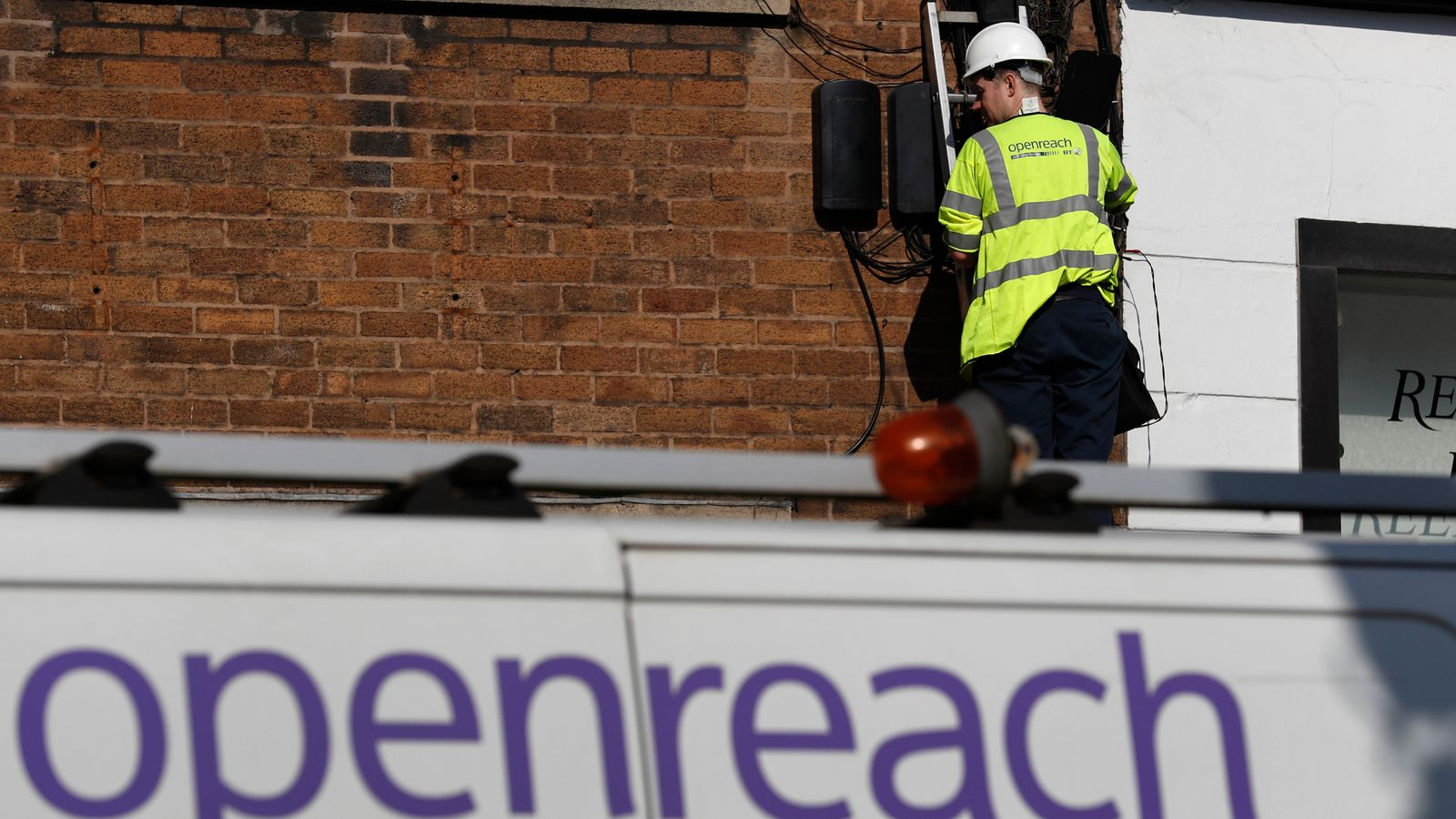 BT urges switch-off date for copper broadband service