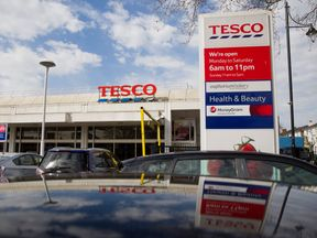 Tesco and carrefour image for Q