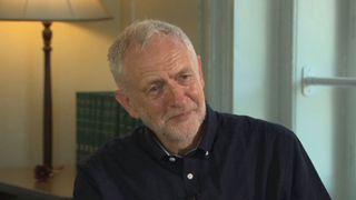 PM woos eurosceptics amid Brexit plan concerns