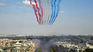 france fans pack champs elysees in paris to get glimpse of world cup