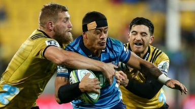 Hurricanes 42-24 Blues