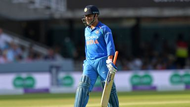 Hussain: Dhoni innings 'odd'