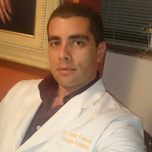 Celebrity plastic surgeon 'Dr Bumbum' arrested in Brazil after death of patient